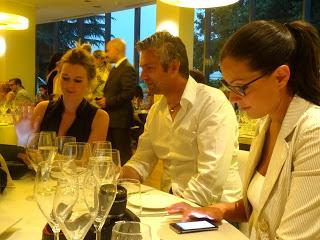Dino Massignani di Riserva San Massimo con le blogger di Insieme con gusto.